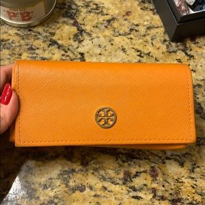 Tory Burch Aviator sunglasses with dust bag & case